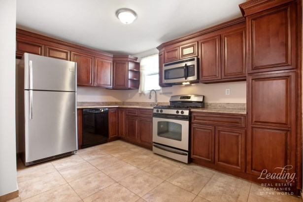 1945 82nd Street 2 2, Bensonhurst, NY - USA (photo 3)
