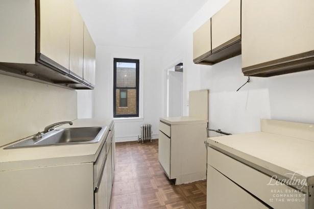 345 Montgomery Street 6i 6i, Crown Heights, NY - USA (photo 4)