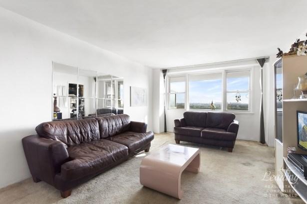 1655 Flatbush Avenue A2004 A2004, Midwood, NY - USA (photo 3)