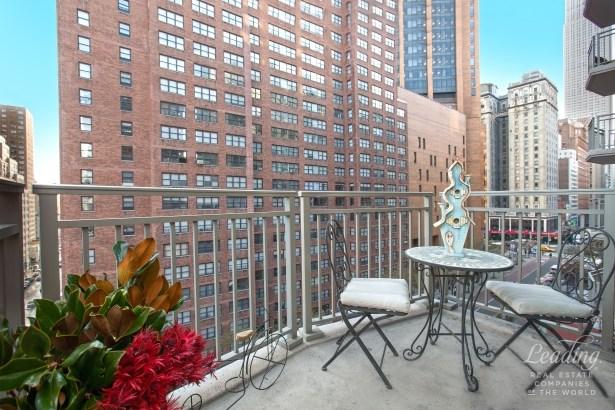 132 East 35th Street 8h 8h, New York, NY - USA (photo 3)