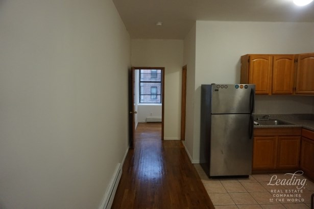 276 Throop Avenue 3d 3d, Williamsburg, NY - USA (photo 4)