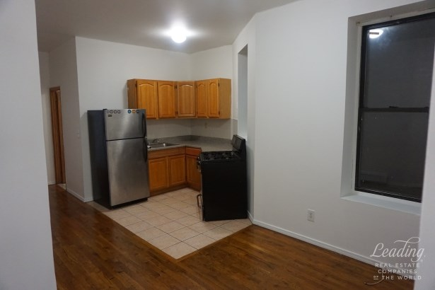 276 Throop Avenue 3d 3d, Williamsburg, NY - USA (photo 5)