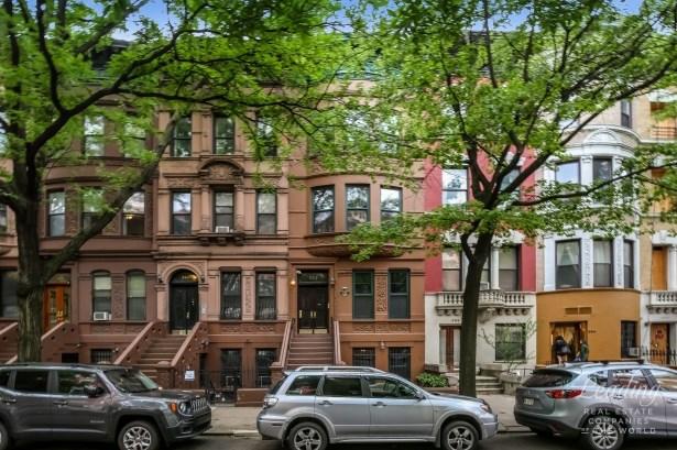 252 West 137th Street 1 1, New York, NY - USA (photo 1)