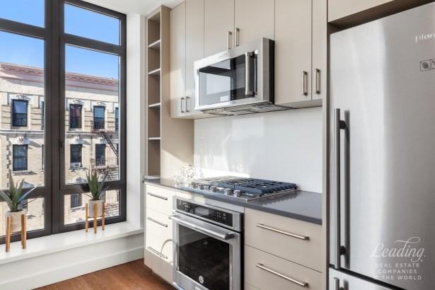 159 Tompkins Ave 5a 5a, Brooklyn, NY - USA (photo 3)