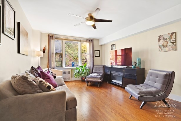 2385 Barker Ave 2r 2r, Allerton, NY - USA (photo 1)