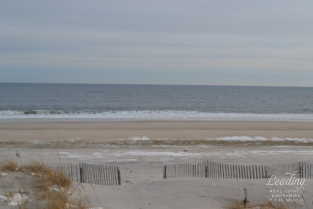 Westhampton Dun, Westhampton Beach, NY - USA (photo 1)