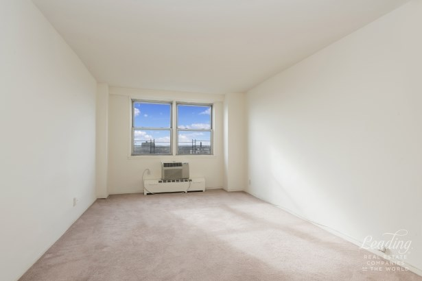 1655 Flatbush Avenue C1206 C1206, Midwood, NY - USA (photo 4)