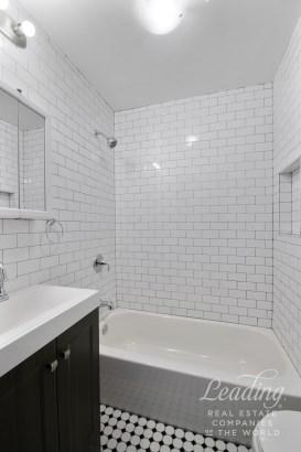 1108 Madison Street Apartment #3 3, Bushwick, NY - USA (photo 3)