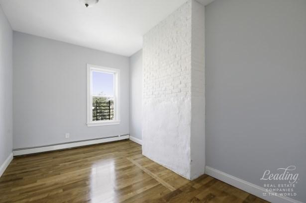 1108 Madison Street Apartment #3 3, Bushwick, NY - USA (photo 5)