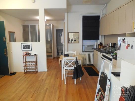 Large Pre-war Studio In Brooklyn Heights 1, Brooklyn Heights, NY - USA (photo 1)