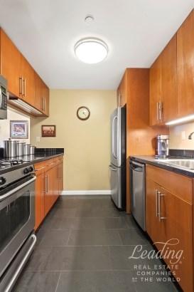 300 West 135th Street 2e 2e, New York, NY - USA (photo 4)