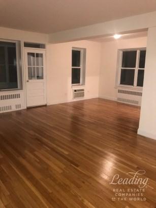3bed/2bath Prime Location 116, Brooklyn, NY - USA (photo 3)