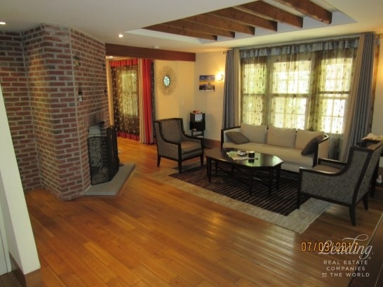 74 Ascan Avenue, Forest Hills, NY - USA (photo 2)