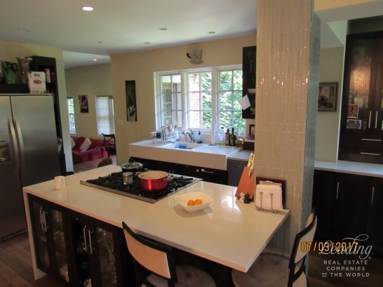 74 Ascan Avenue, Forest Hills, NY - USA (photo 4)