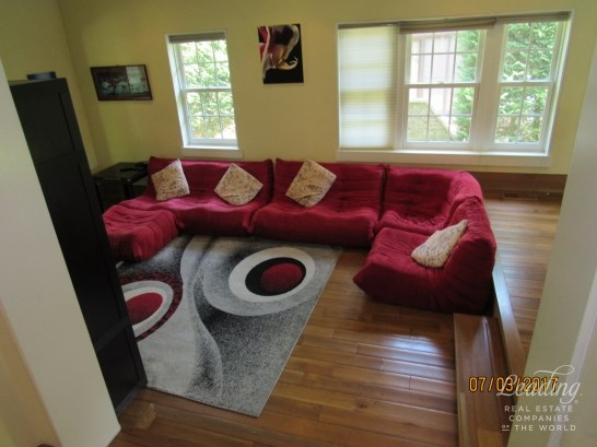 74 Ascan Avenue, Forest Hills, NY - USA (photo 5)