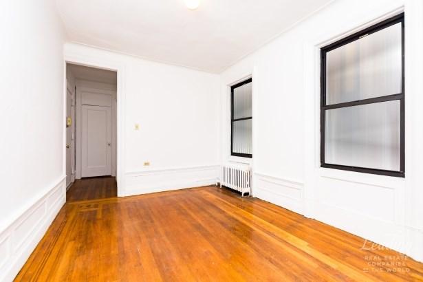 875 West 181st Street 2g 2g, New York, NY - USA (photo 3)