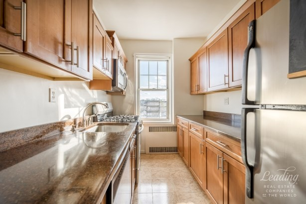 77 -14 113th St 6t 6t, Forest Hills, NY - USA (photo 3)