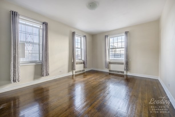 77 -14 113th St 6t 6t, Forest Hills, NY - USA (photo 5)