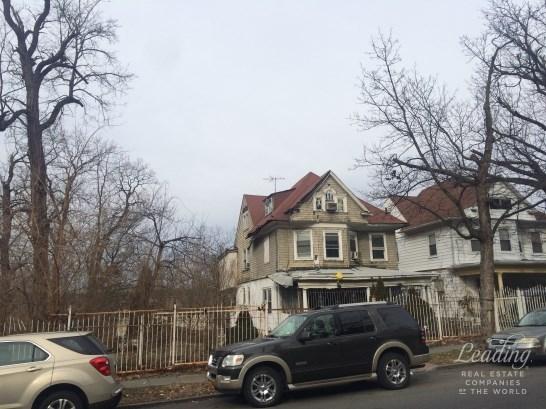 Sedgwick Avenue, Bronx, Bronx, NY - USA (photo 1)