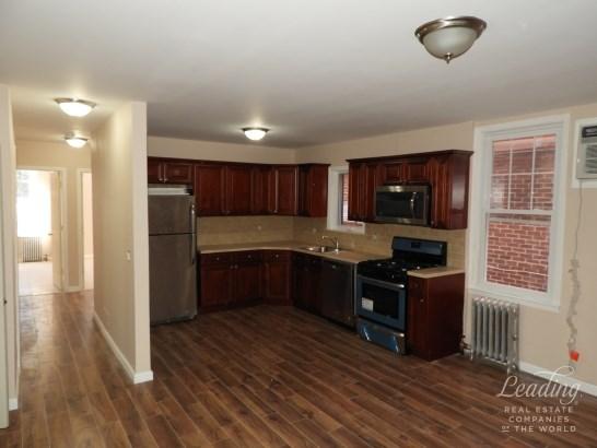 3412 Avenue J 1 1, Midwood, NY - USA (photo 2)