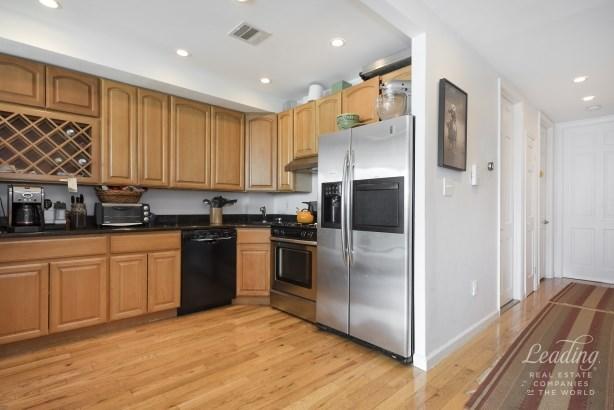 914 Pacific Street 3 3, Crown Heights, NY - USA (photo 2)