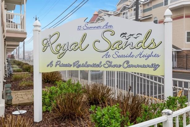 15 Sumner Ave 13, Seaside Heights, NJ - USA (photo 2)