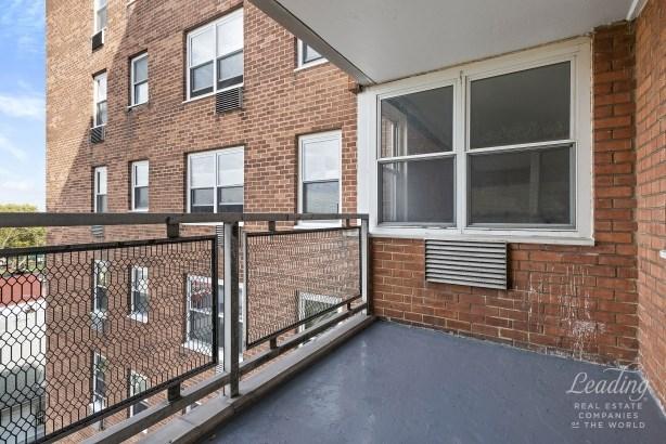 3215 Avenue H 8k 8k, Flatbush, NY - USA (photo 4)
