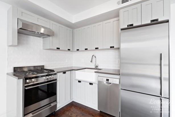 1255 Bushwick Avenue 3d 3d, Bushwick, NY - USA (photo 3)