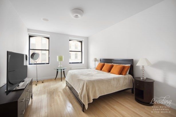 Expansive, Sun-drenched, 3br Loft 4a, New York, NY - USA (photo 4)