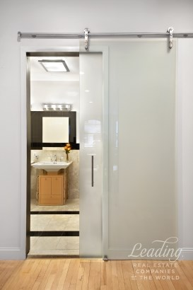 Expansive, Sun-drenched, 3br Loft 4a, New York, NY - USA (photo 5)