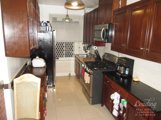 109 -14 Ascan Avenue 2f 2f, Forest Hills, NY - USA (photo 1)