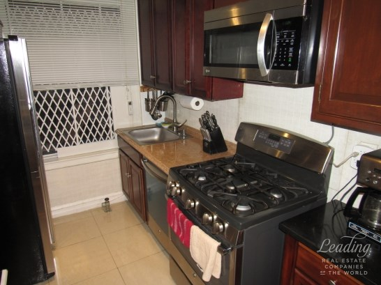 109 -14 Ascan Avenue 2f 2f, Forest Hills, NY - USA (photo 4)