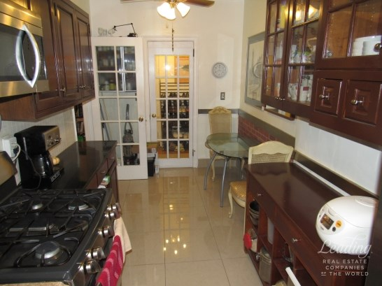 109 -14 Ascan Avenue 2f 2f, Forest Hills, NY - USA (photo 5)