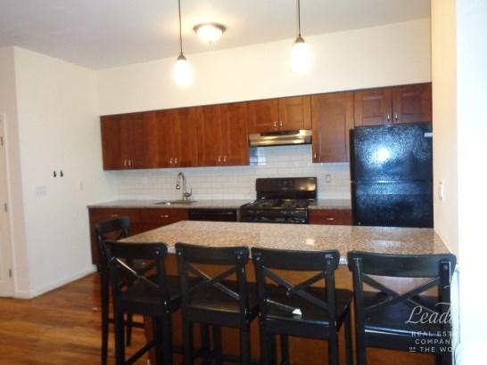 9104 Fourth Avenue 2 2, Bay Ridge, NY - USA (photo 3)
