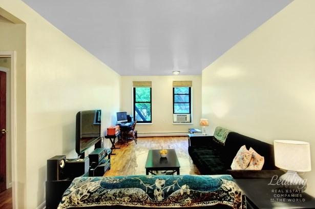 309 East 105th Street 2s 2s, New York, NY - USA (photo 2)
