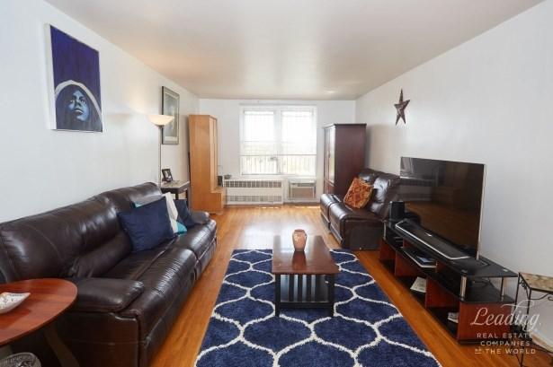 66 -10 Thornton Place 6d 6d, Rego Park, NY - USA (photo 4)