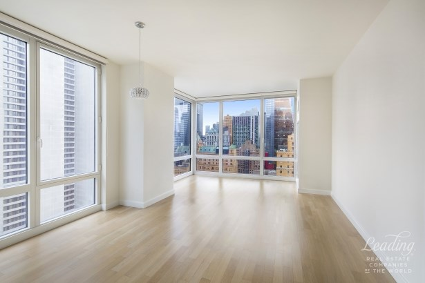 247 West 46th Street 2804 2804, New York, NY - USA (photo 2)