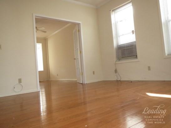 8312 Seventh Avenue 1 1, Dyker Heights, NY - USA (photo 2)