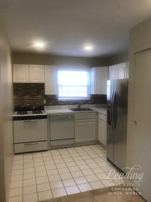 2444 Lodovick Avenue 1 1, Baychester, NY - USA (photo 4)