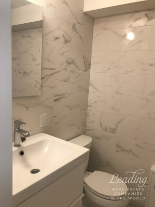 2bed/1bath Apartment In Astoria 2, Astoria, NY - USA (photo 2)