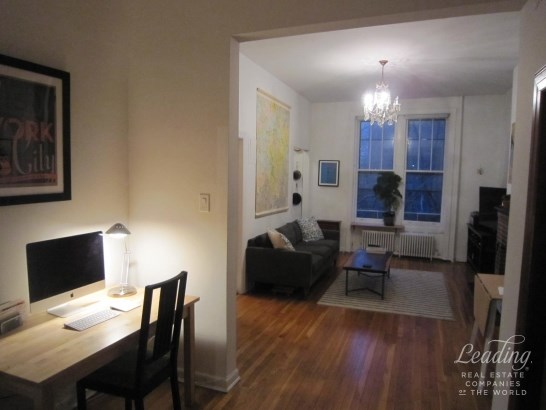 Charming One Bedroom Brownstone Floor Th 2, Brooklyn Heights, NY - USA (photo 3)
