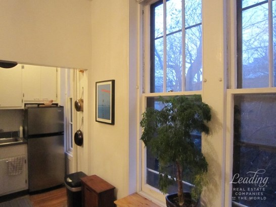Charming One Bedroom Brownstone Floor Th 2, Brooklyn Heights, NY - USA (photo 4)