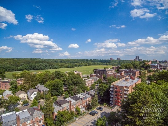 5060 Tibbett, Bronx, NY - USA (photo 2)