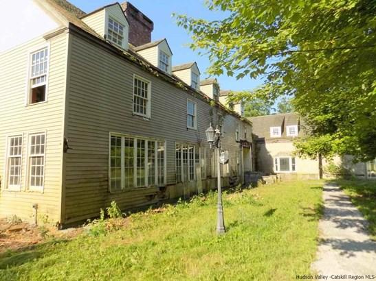 Colonial, Single Family - Kingston, NY