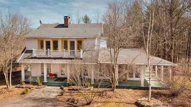 Colonial, Single Family - Saugerties, NY
