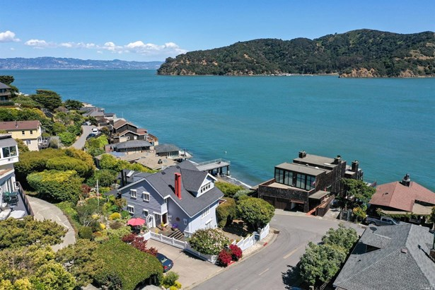 Cape Cod, Single Family Residence - Tiburon, CA