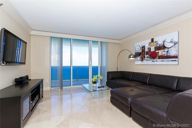 Residential Rental, Condo/Co-op/Annual - Hallandale Beach, FL