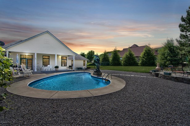 Ranch, Single Family - Peckville, PA (photo 3)