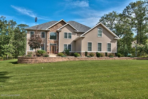 Contemporary,Traditional, Detached - Roaring Brook Twp, PA