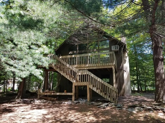1.5 Stories,Chalet, Detached - Clifton Township, PA